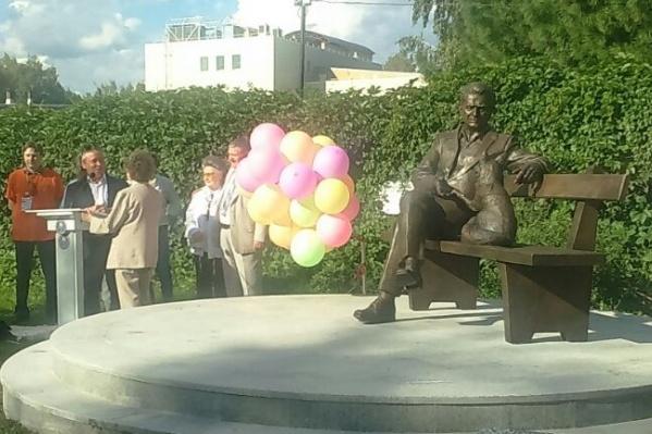 Памятникакадемику Дмитрию Беляеву открыли вечером 7 августа