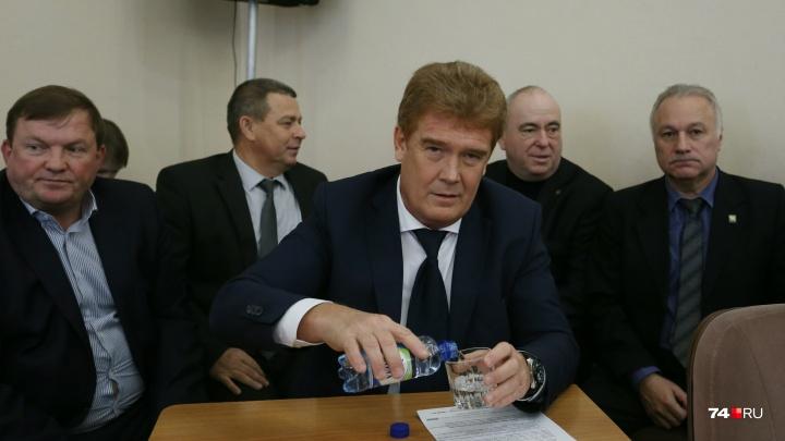 «Надеюсь, внесёт новые веяния»: депутаты приняли отставку Тефтелева и назначили временного мэра