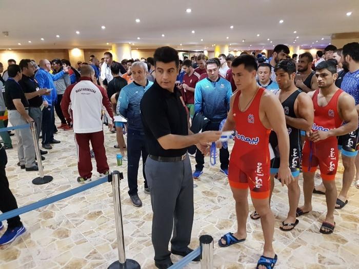 Роман Власов выступил в новой весовой категории 77 кг