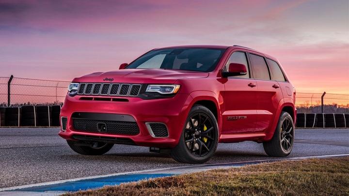 Новые Jeep® Wrangler и Grand Cherokee с выгодой до 550 000 рублей представили в автоцентре ВСК