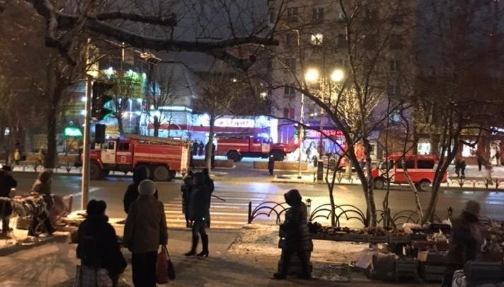 Пожар в девятиэтажке на Республики: из-за сильного задымления пришлось эвакуировать 20 человек