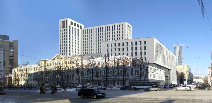 Изначально фасад был более ярким, но после критики на Градсовете его сделали поспокойнее