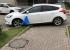 «Я паркуюсь как...»: горожане полюбили наказывать автохамов с помощью мусорных мешков
