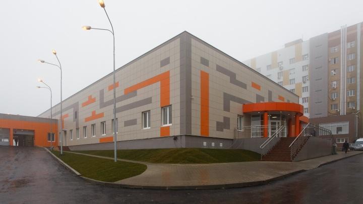 Под Волгоградом столкнулись две фуры: двое раненых