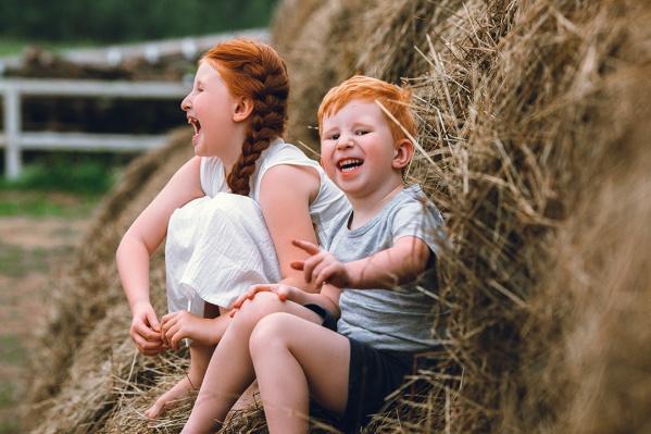 7-летняя Елена и трёхлетний Сергей унаследовали от родителей редкий ген