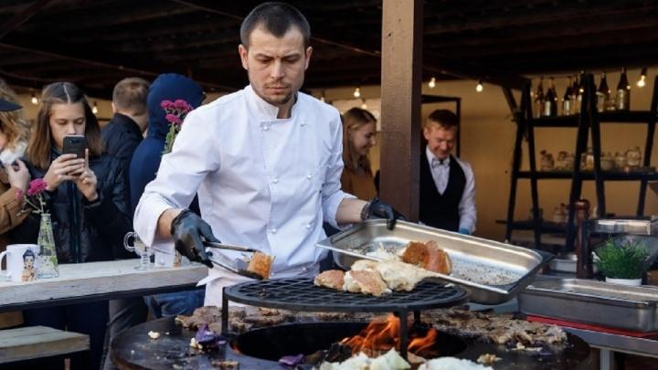 Вкусно есть не запретишь: волгоградцы «проедают» в ресторанах и кафе миллиарды рублей