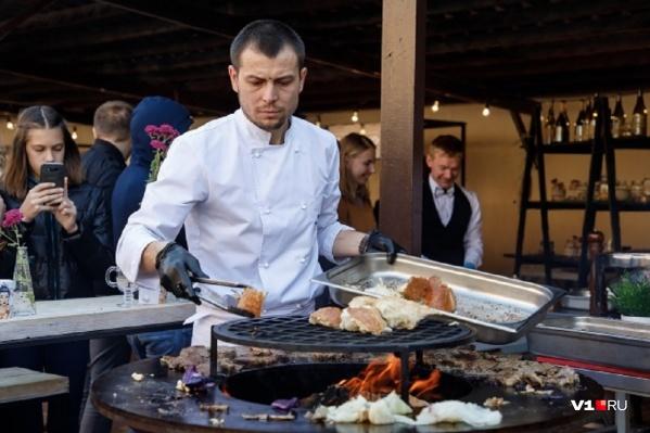 Перекусить в кафе или чебуречной — привычное дело для жителей Волгоградской области