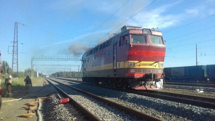 Не доехал до Уфы: на железной дороге загорелся электропоезд