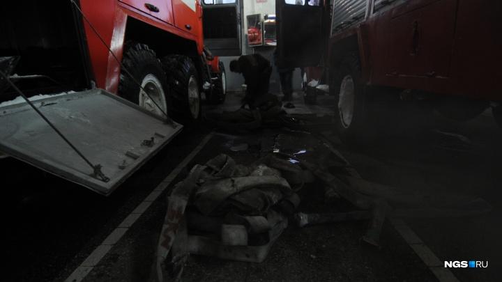 В Октябрьском районе загорелся подвал в жилом доме