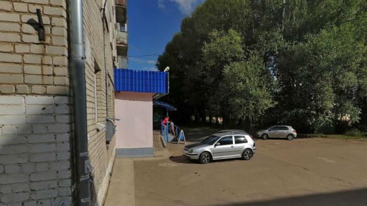 В Ярославской области возле супермаркета нашли тело 13-летнего подростка