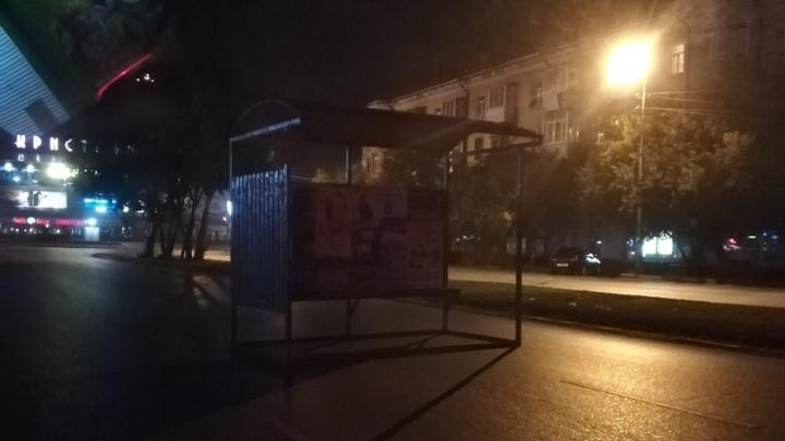 У вас остановку сдуло: рассказываем о последствиях ночной непогоды в Омске
