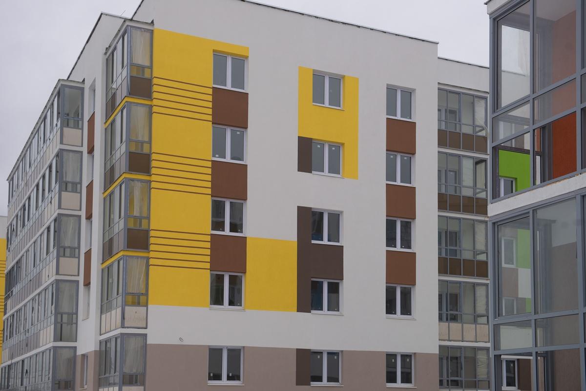 Например, в домах у озера в малоэтажном «Мичуринском» можно успеть купить квартиру стоимостью от 1,3 млн рублей