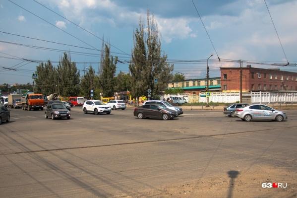 Безымянка ассоциируется у горожан в первую очередь с Заводским шоссе