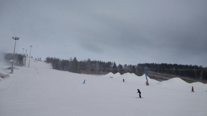 Вылетела с трассы: 14-летняя девочка из Челябинской области погибла на горнолыжном курорте