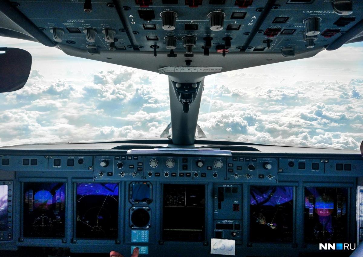 Вид из кабины пилота фото
