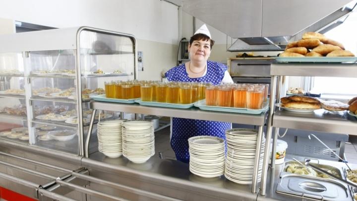 Курицу заменяют говядиной в столовых школ и детских садов Курганской области