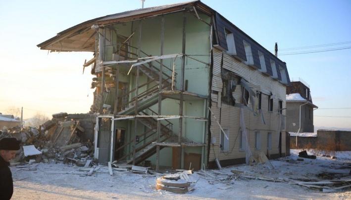 Чиновников, которые должны были снести дом на Кандагарской еще в 2016 году, заподозрили в халатности