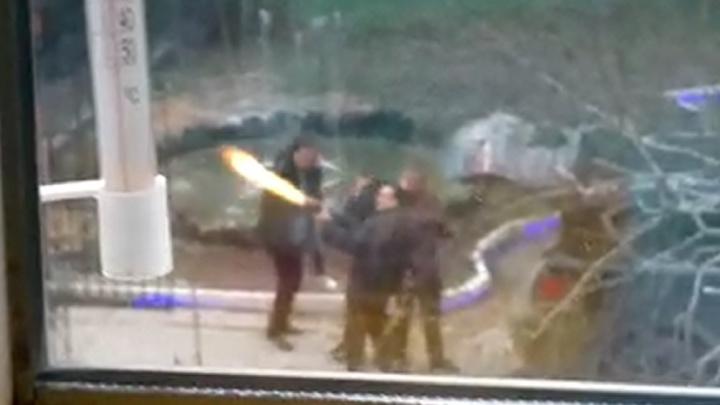 Депутат Дмитрий Ионин с помощником устроили стрельбу из автомата в Камышлове