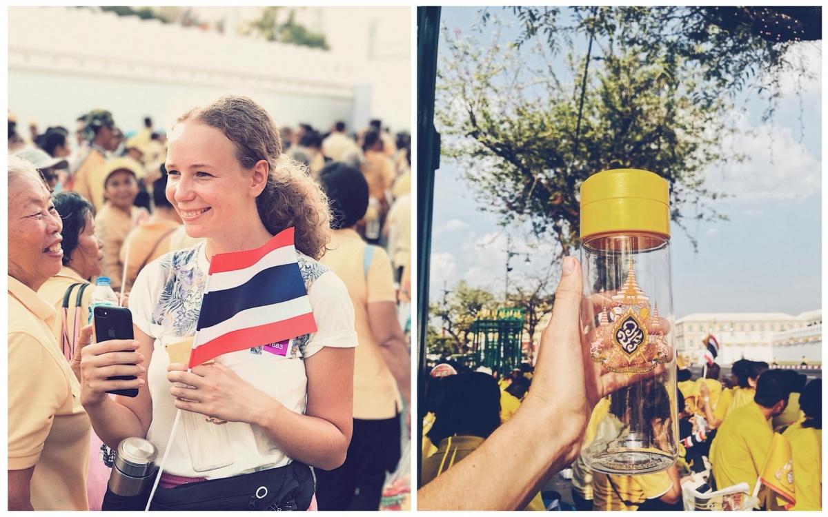 На коронации все были одеты в желтое (кроме наших ребят), а волонтеры раздавалимногоразовые бутылки