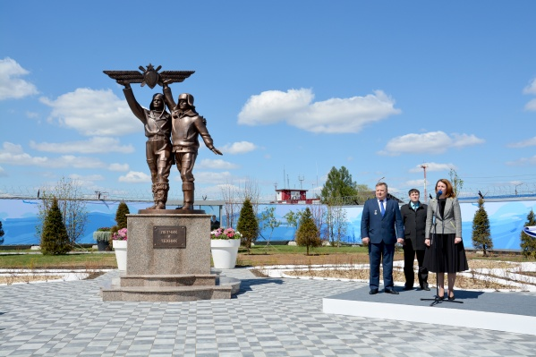 На открытие памятника пригласили мэра Омска Оксану Фадину