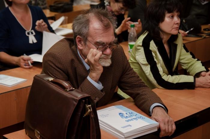 Иван Кузнецов работает в НГУ с 1976 года
