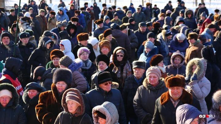 В Самарской области пообещали сохранить выплаты работающим ветеранам труда