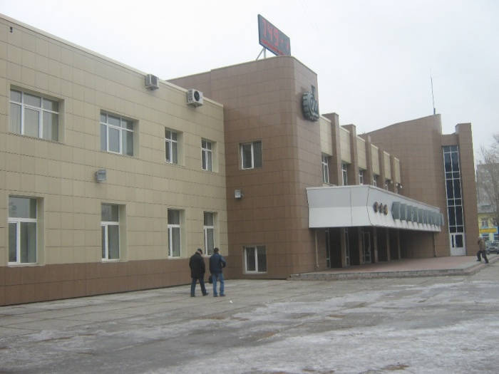 Одно из зданий обанкротившегося завода на улице Станционная, 38