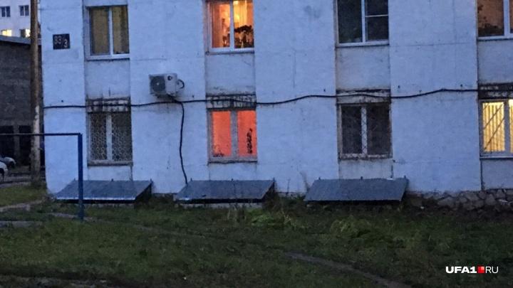 Путаны в подъезде, шум ночью и горячие полы: как семье живется в квартире, под которой сделали сауну