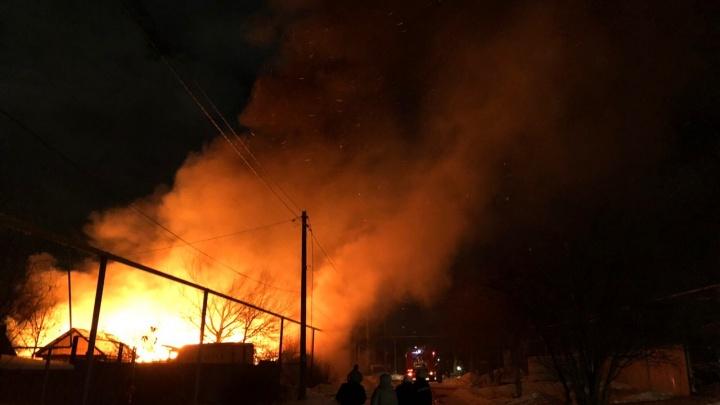 Под Челябинском сгорел дом опекуна, которая заявила, что у неё отняли племянницу с ДЦП из-за жилья