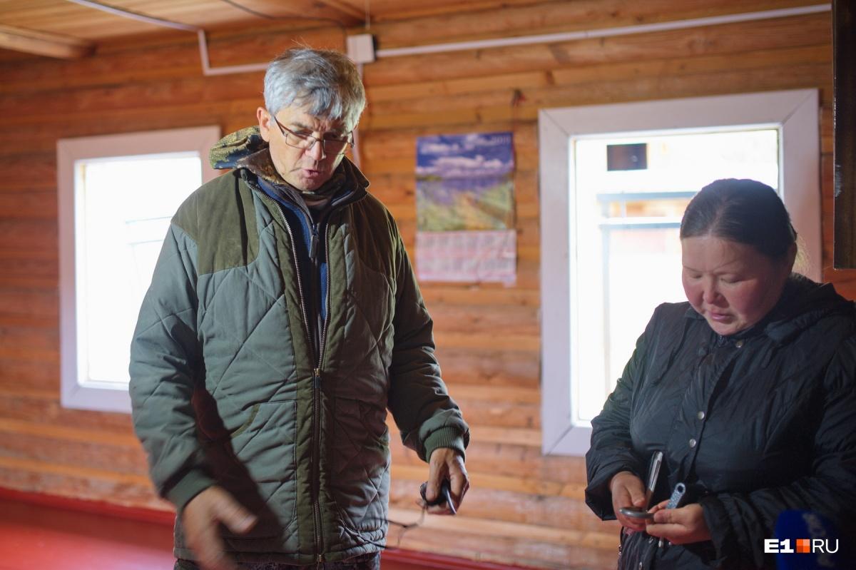 Александр Петров с Натальей Анямовой в доме, где сейчас идет ремонт