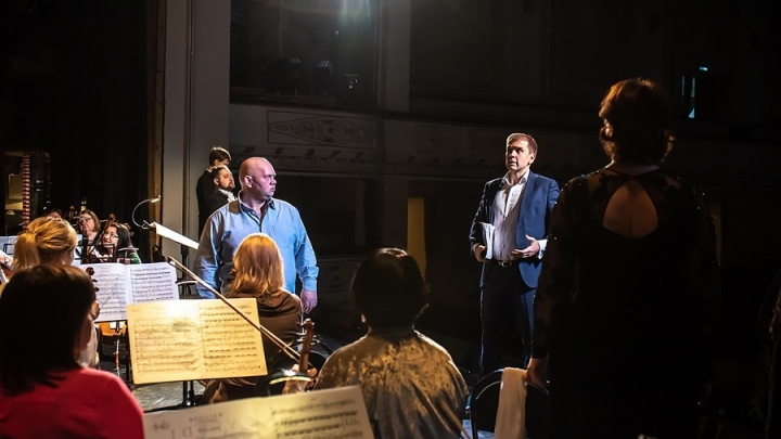 «Плакать не стыдно»: в честь снятия блокады Ленинграда поставили спектакль «Реквием»