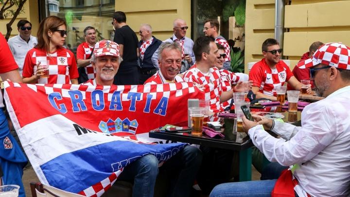 «Платили картами, брали пиво»: сколько потратили иностранцы в Нижнем Новгороде и что покупали