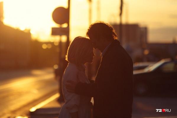 Как часто вы признаетесь в любви своей второй половинке? Часто ли устраиваете сюрпризы? Расскажите об этом в комментариях. Ждём!