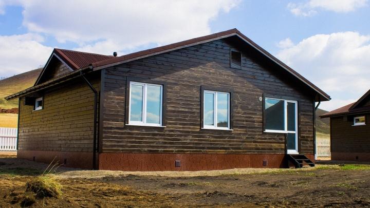 «Хит сезона» загородной недвижимости: в поселке Дрокино продают дома с отделкой по цене квартиры