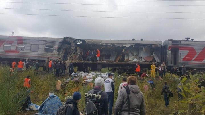 В ХМАО грузовик протаранил пассажирский поезд, пострадали 17 человек