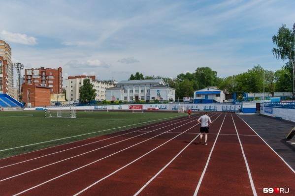 На фото стадион «Динамо» — бывшего замминистра спорта осудили за мошенничество при реконструкции этого спортивного объекта