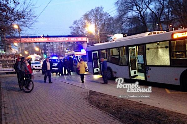 Пассажир автобуса №67 разбил окно