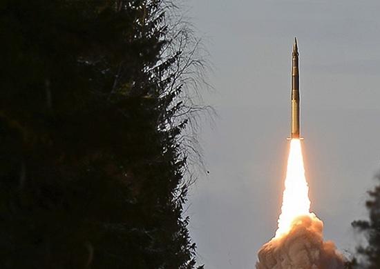 С космодрома Плесецк запустили межконтинентальную баллистическую ракету «Ярс»