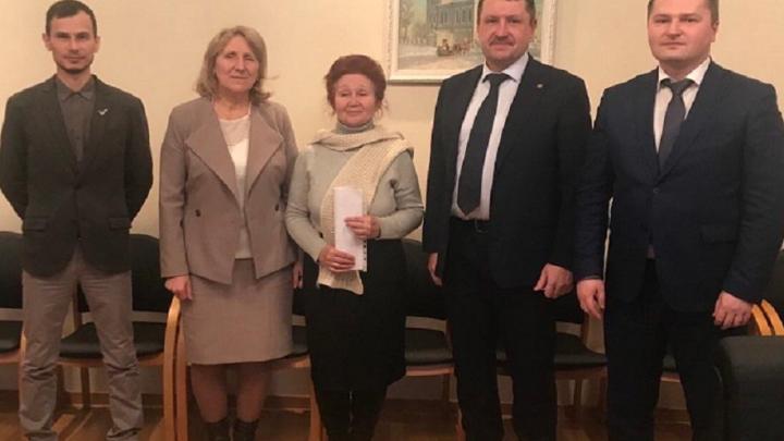 Власти Ялуторовска после огласки смогли помочь бывшей учительнице, замерзающей в бараке