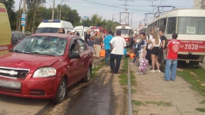 «Сбила 4 пешеходов»: полицейские назвали предварительную причину ДТП на XXII Партсъезда