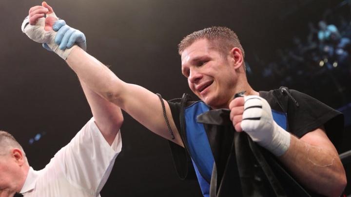 Екатеринбургский боксёр Евгений Чупраков одержал 20-ю победу в карьере, одолев филиппинца Санчеса