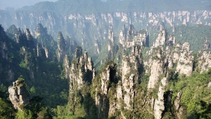 Туристы из Екатеринбурга показали завораживающие фото китайских парящих гор, где снимали «Аватар»