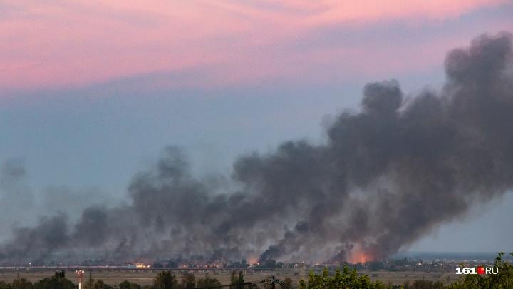 В Ростове на левом берегу вспыхнул камыш