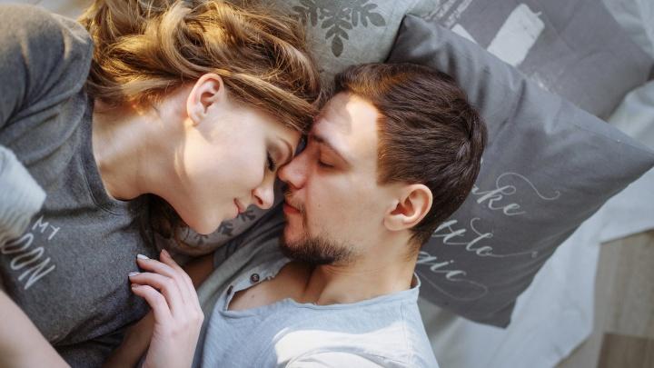 «Не мешайте мозгу спать»: 10 роковых ошибок, которые вызовут у вас бессонницу