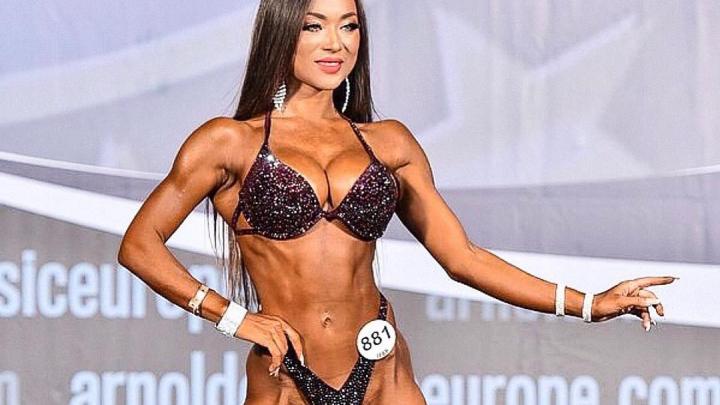 Красноярская брюнетка с шикарным телом победила в турнире Арнольда Шварценеггера