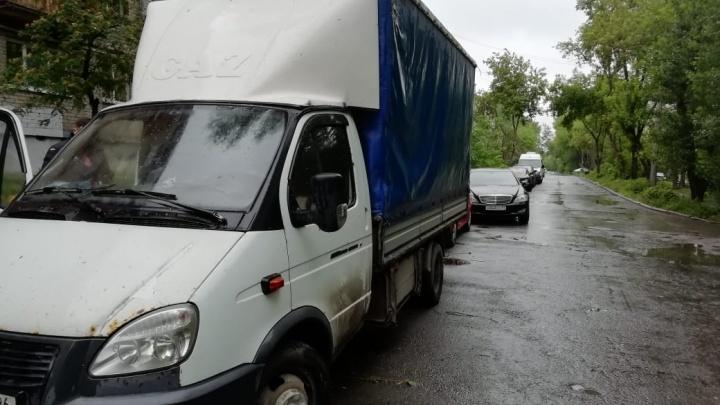 ГИБДД нашла водителя «Газели», который насмерть сбил 25-летнего парня на дублере Сибирского тракта