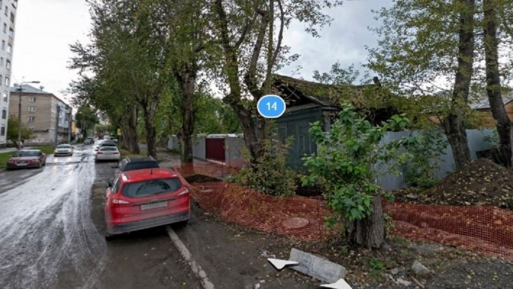 На ВИЗе решили снести старый дом и построить на его месте гостиницу