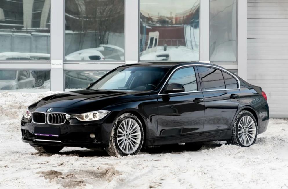 «Старьё бьёт новьё»: живой BMW за 1 миллион против «Форда» из салона