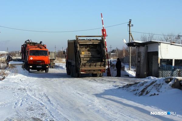 Мусор в Омске собирают и вывозят. Но проблем в связи с ходом мусорной реформы не становится меньше