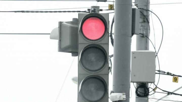 В Перми на улице Ленина изменят режим работы светофоров